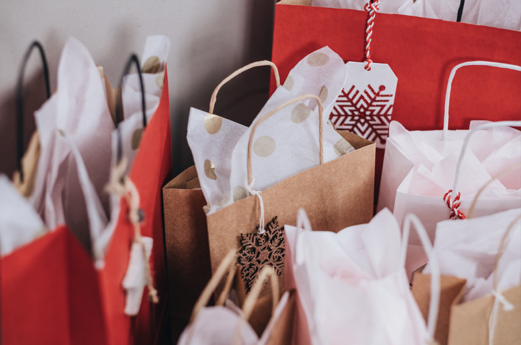 HawkSEM blog: 10 Ways to Take Holiday E-Commerce Sales to the Next Level